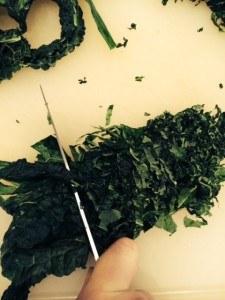 Slicing kale